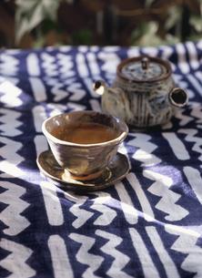 急須とお茶の写真素材 [FYI03162346]