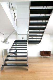 アジアモダンハウスの階段の写真素材 [FYI03162634]