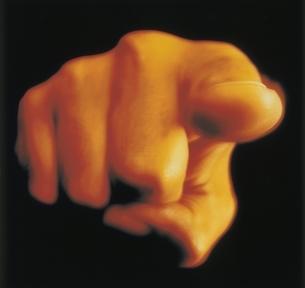 指を指す手のアップの写真素材 [FYI03163085]