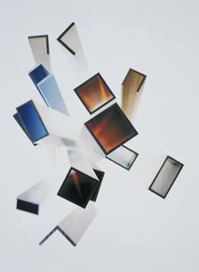 断面が正方形や長方形の棒(茶色・青・灰色)の写真素材 [FYI03163096]
