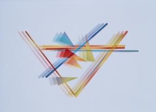 直線と三角形(カラフル)のイラスト素材 [FYI03163754]