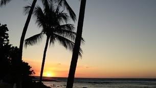ハワイ島の夕焼けの写真素材 [FYI03163909]