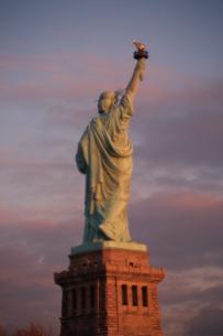 自由の女神の後姿の写真素材 [FYI03164159]