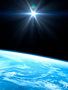 衛星軌道から眺める太陽の光射す美しい青い地球の大気層のイラスト素材 [FYI03165944]