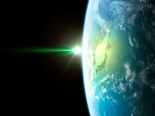 衛星軌道から眺める日の出に浮かび上がる日本と北東アジア圏のイラスト素材 [FYI03165945]