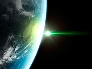 衛星軌道から眺める日の出に浮かび上がる日本と北東アジア圏のイラスト素材 [FYI03165947]
