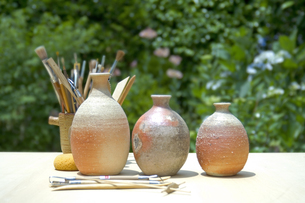 焼きものと陶芸の道具の写真素材 [FYI03166720]