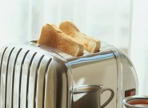 トースターのトーストの写真素材 [FYI03167998]
