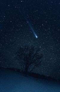 朝の百武彗星 新潟県の写真素材 [FYI03168499]