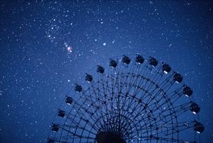 観覧車と星空 妙高村 新潟県の写真素材 [FYI03168511]