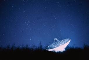 電波望遠鏡夜景 臼田町 長野県の写真素材 [FYI03168516]