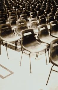 並んだ椅子の写真素材 [FYI03168772]