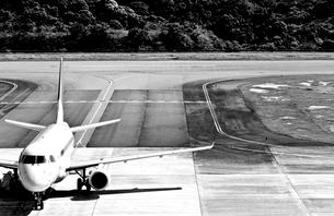 空港の飛行機の写真素材 [FYI03169436]