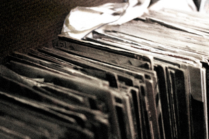 使いふるしたレコードの写真素材 [FYI03169459]