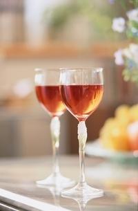 ペアのワイングラスの写真素材 [FYI03170296]