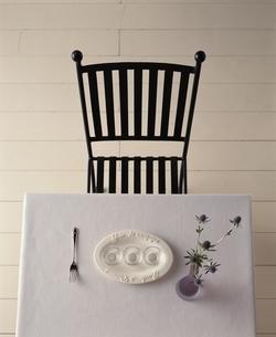 椅子とテーブルの写真素材 [FYI03170371]