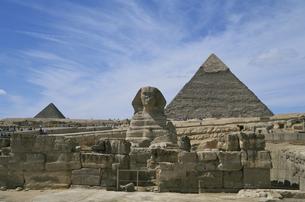 スフィンクスとピラミッドの写真素材 [FYI03171180]