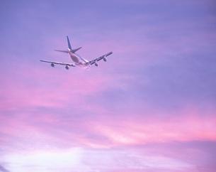 飛行機と空    CGの写真素材 [FYI03171388]