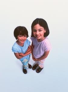 外国人の姉妹の写真素材 [FYI03171406]