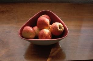 フルーツ(リンゴ)の写真素材 [FYI03171801]