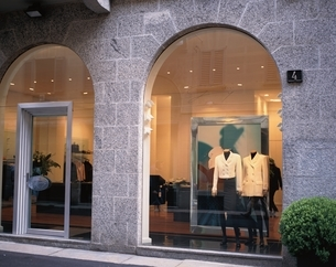 ショーウインドゥ ミラノ イタリアの写真素材 [FYI03172250]