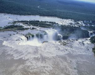 イグアスの滝 ブラジルの写真素材 [FYI03172413]