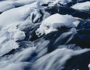 冬の流れの写真素材 [FYI03172550]