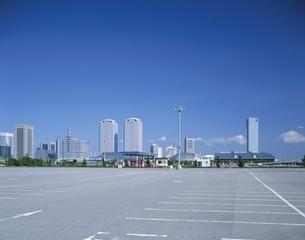 幕張新都心の駐車場 千葉市 千葉の写真素材 [FYI03172776]
