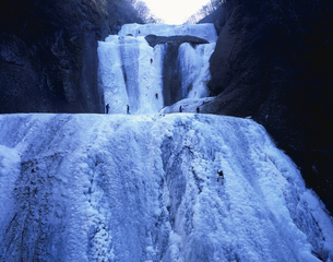 氷結した袋田の滝の写真素材 [FYI03173036]