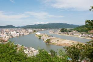北上川河口の中洲と石ノ森萬画館の写真素材 [FYI03173453]