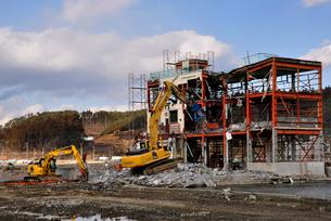 2013.3.11ビルの解体工事の写真素材 [FYI03173746]