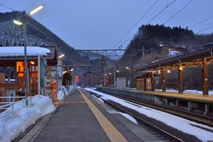 冬の作並駅の写真素材 [FYI03174673]
