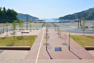 女川駅から女川港を望むの写真素材 [FYI03175091]