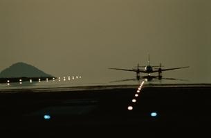 飛行機の写真素材 [FYI03175133]