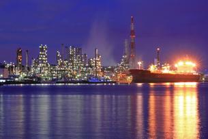 京浜工業地帯夜景の写真素材 [FYI03175689]