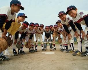 少年野球チームの日本の子供たちの写真素材 [FYI03175702]