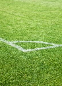 サッカーグランドのコーナーの写真素材 [FYI03175929]