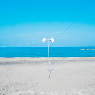 砂浜の拡声器の写真素材 [FYI03176150]