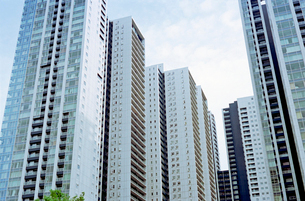 東京ベイフロントの高層マンションの写真素材 [FYI03176445]