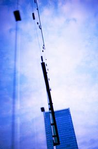 夕暮れの東京駅八重洲口の高層ビル群の写真素材 [FYI03176578]