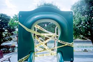 使用禁止の滑り台の写真素材 [FYI03176649]