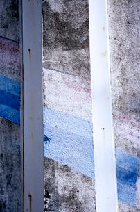 モルタル建築の角に塗られたペイントの写真素材 [FYI03176762]