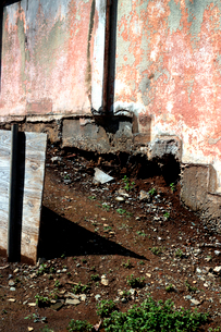 都心の立て替え工事中の建物と敷地の写真素材 [FYI03176916]