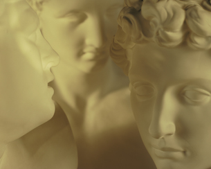 3体の石膏像の顔のアップの写真素材 [FYI03177449]