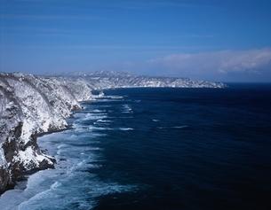鵜の巣断崖の雪景色 岩手県の写真素材 [FYI03177531]