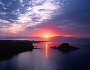 夕日が丘から礼文島の夕日  利尻島 北海道の写真素材 [FYI03177984]