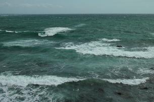 wave 柴崎海岸に面した建物の4階から海を撮るの写真素材 [FYI03178969]