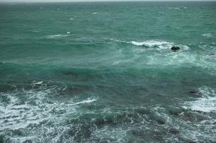 wave 柴崎海岸に面した建物の4階から海を撮るの写真素材 [FYI03178989]