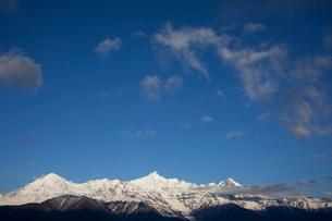 飛来寺より望む梅里雪山の写真素材 [FYI03180134]