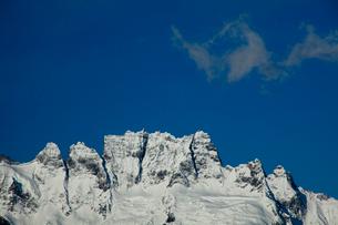 飛来寺より望む梅里雪山のジャワリンガ峰の写真素材 [FYI03180152]
